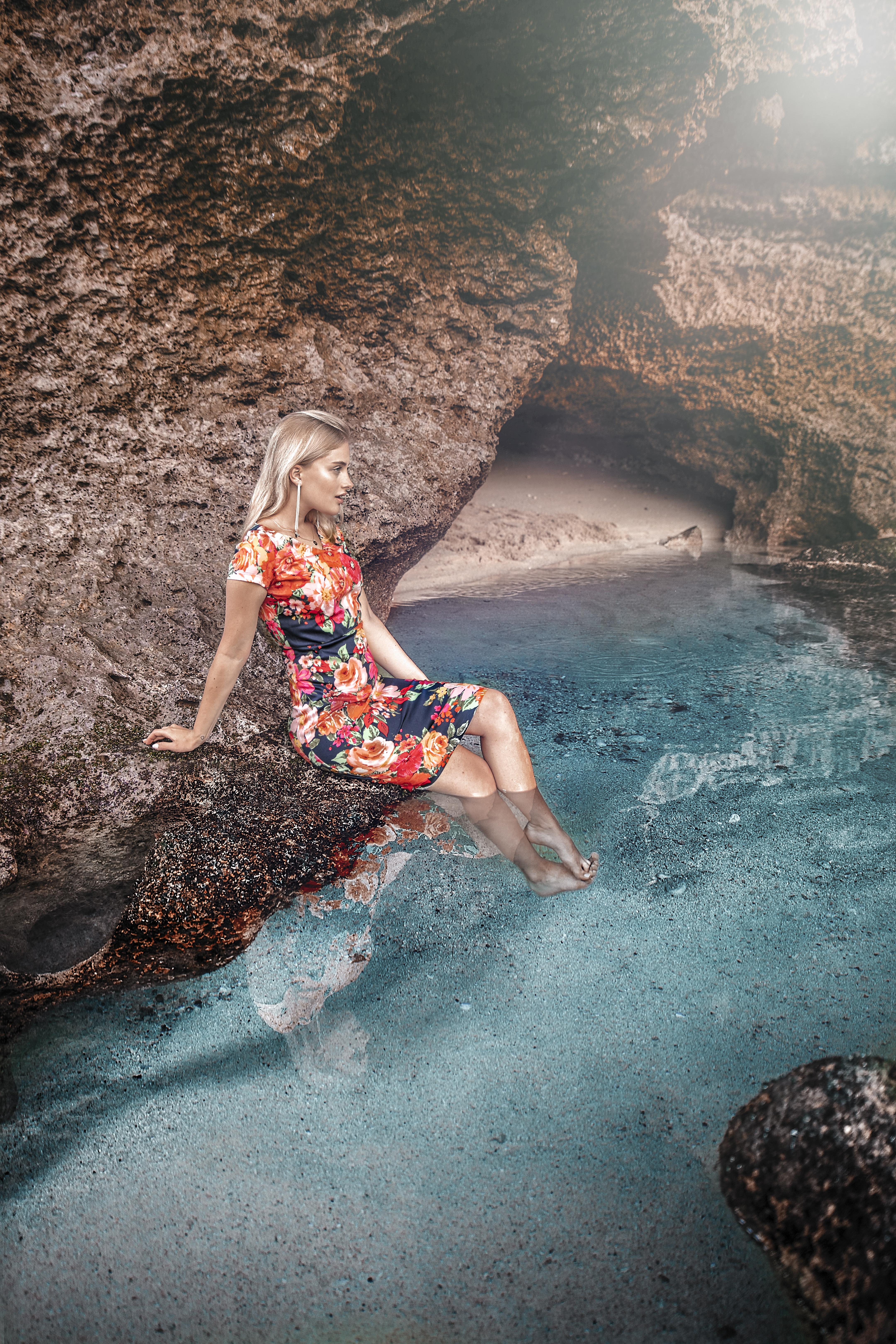 Kolejne piękne zdjęcie przecudnej modelki w sukience Alice :)